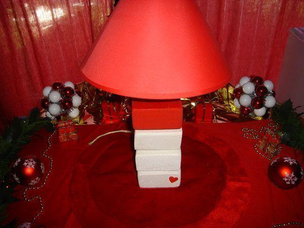 lampe modulable blanche et rouge. Black Bedroom Furniture Sets. Home Design Ideas